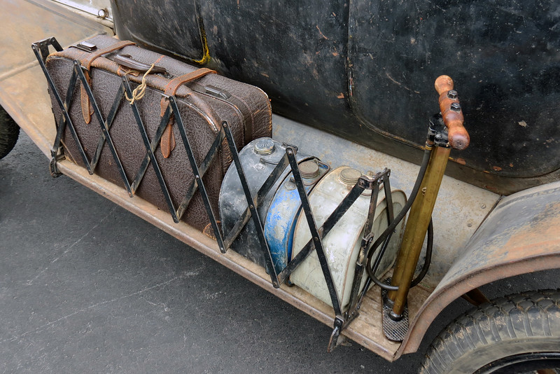 I like the storage setup for luggage, metal containers, and an air pump.  This was a common feature for the Model T.