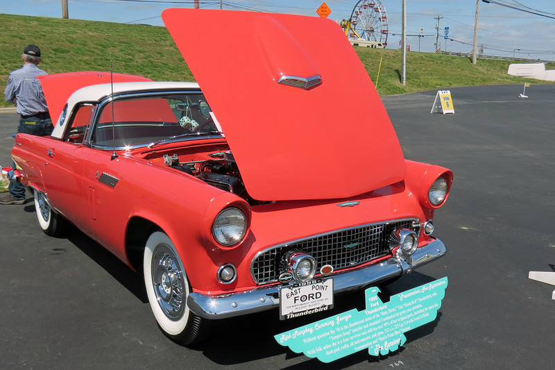 1956 Ford Thunderbird, Class 31.<br /> <br /> Like the Corvette, the 1955 - 57 Ford Thunderbird gets its own class.