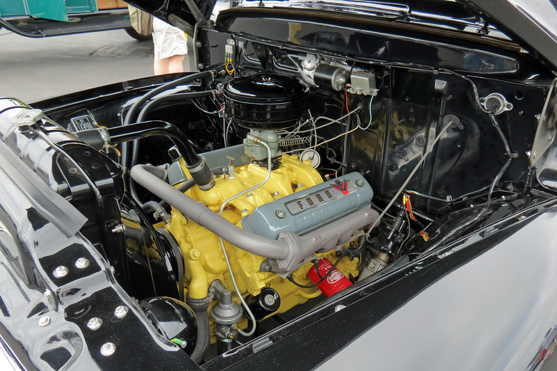 This beautifully detailed engine is a Ford 272 CID V8 with overhead valves.