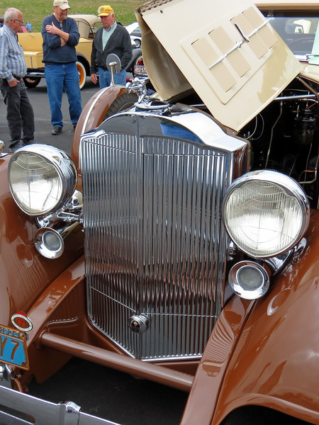 The instantly recognizable Packard grill.