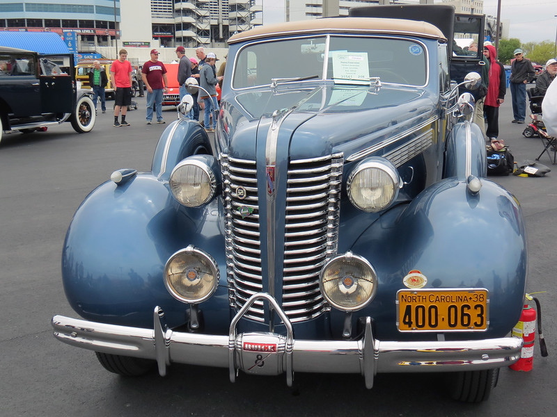 This is a very rare car !  Only 411 Roadmaster convertibles were made in 1938.