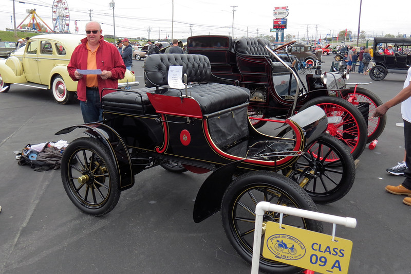 "1904 Oldsmobile Model 6C ""Curved Dash."""