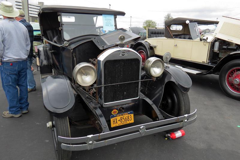 1923 Gardner Radio Special sedan.