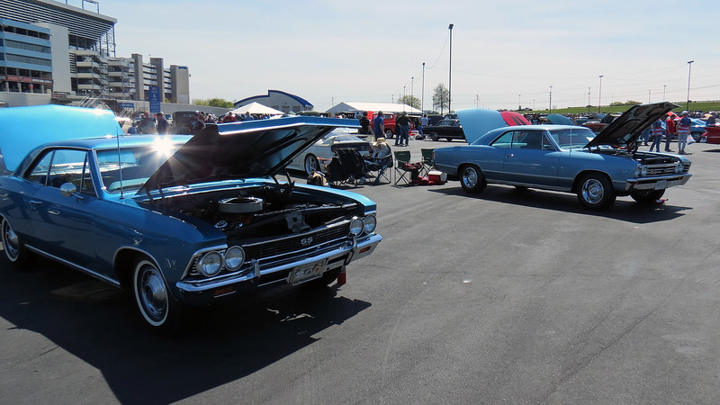 The Chevrolet Chevelle SS396 accounted for almost half of the Class 36B participants.   The car on the left of the photo above is the third of three 1966 models.