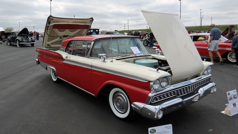 "This was the final year for Ford's ""Skyliner"" retractable hardtop convertible.  For 1957 and 1958, the Skyliner was part of the Fairlane 500 Series.  When the Galaxie series was introduced for 1959, the Skyliner was absorbed into it.  The car seen in the photos above is one of 12,915 produced for the model's final year."