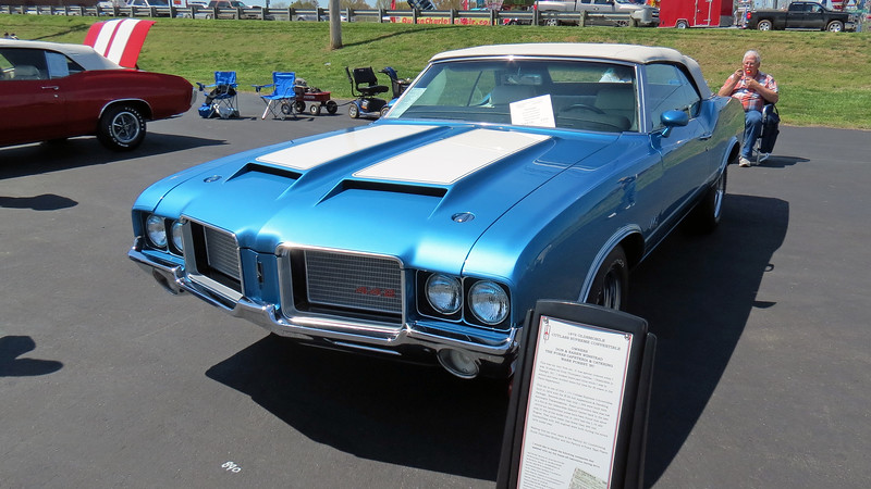 1972 Oldsmobile 442 convertible.