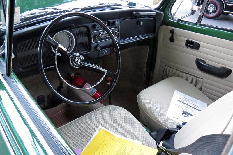 1971 VW Super Beetle.