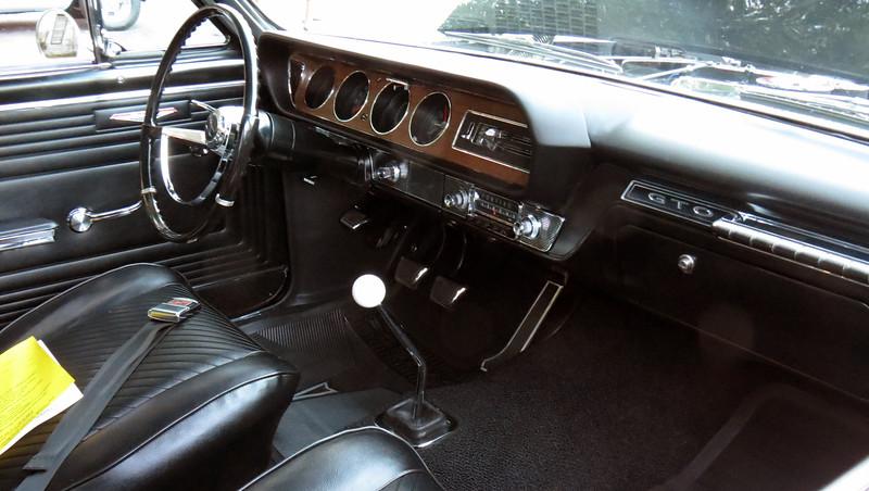 1965 Pontiac GTO, 389 Tri-Power/4-speed.
