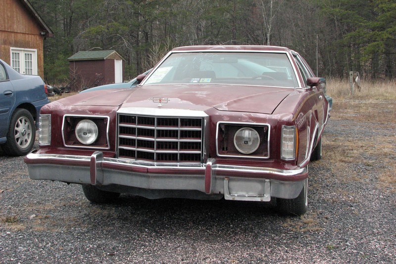 I've always been a big fan of the 1977-79 Ford Thunderbird.  This particular 1979 Heritage Edition T-Bird looked like it needed some work.