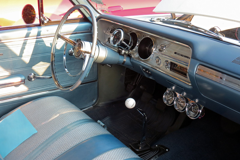 And sure enough, this car is equipped with a 4-speed manual transmission with a Hurst shifter.