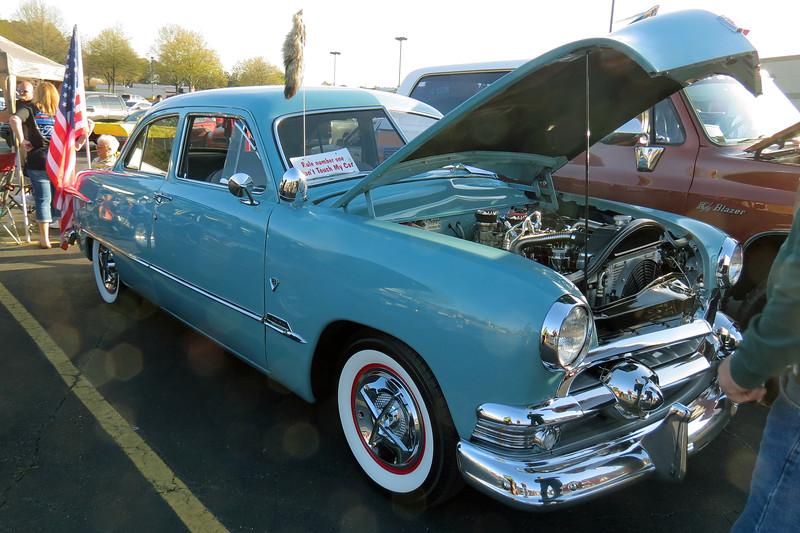 1951 Ford Custom V8.
