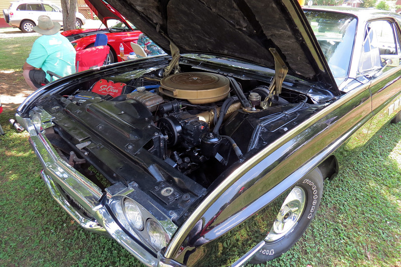 Power comes from Ford's 390 CID V8 that makes 300 hp.