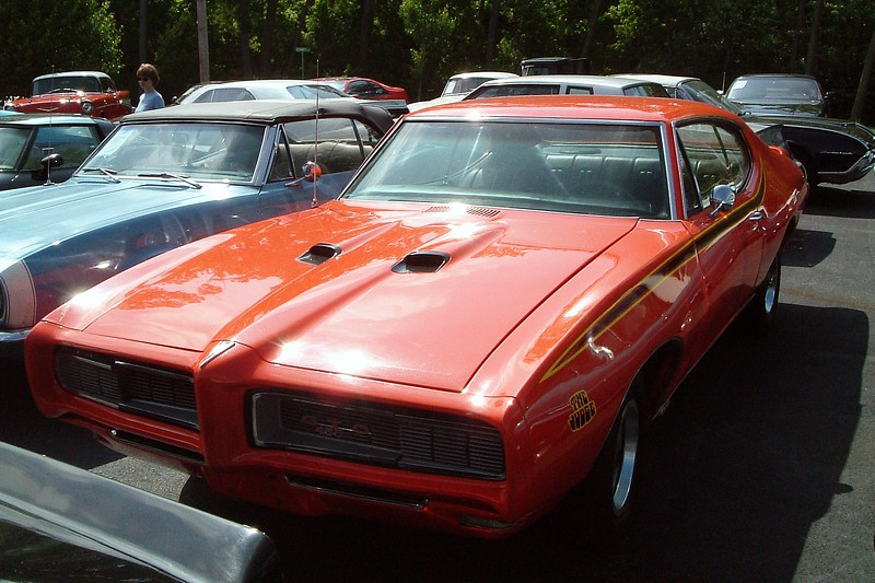 """1968 Pontiac GTO Judge tribute, $18,900.<br /> <br /> I don't know if this is an actual GTO.  I'm calling it a Judge """"tribute"""" car for several reasons.  I know it's definitely not a Judge because the Judge package didn't appear until 1969.  And the """"455"""" badge in the grill is suspect as well because the 455 didn't arrive until 1970.  But even so, this was still a beautiful car that could be had for a relatively affordable investment."""