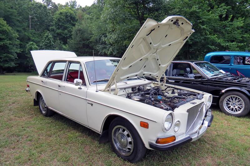 1971 Volvo 164.