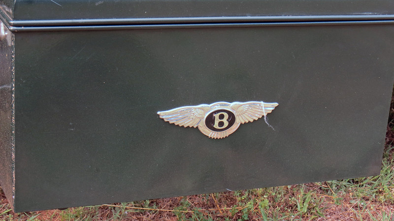 The famous Bentley wings.