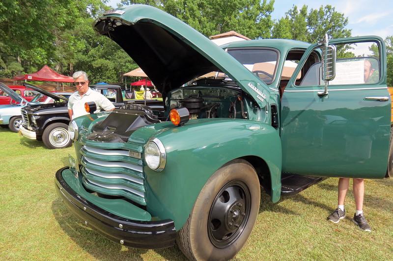 1950 Chevrolet 6400 Series truck.