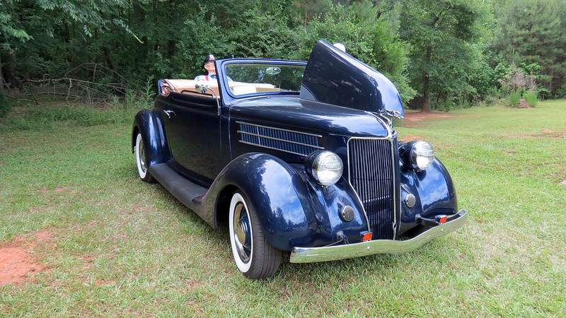1936 Ford cabriolet.