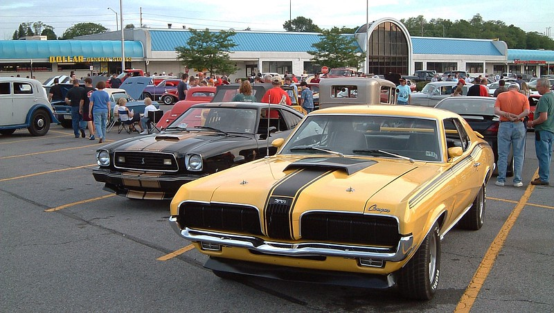 A Ford Mustang II and a 1970 Mercury Cougar Elliminator:  The Cougar Eliminator has always been a favorite of mine.  Those cars are very rare, (2,267 produced in 1970).  And I think I'm one of the few people on the planet that actually likes the Mustang II.  This particular car was really nice !