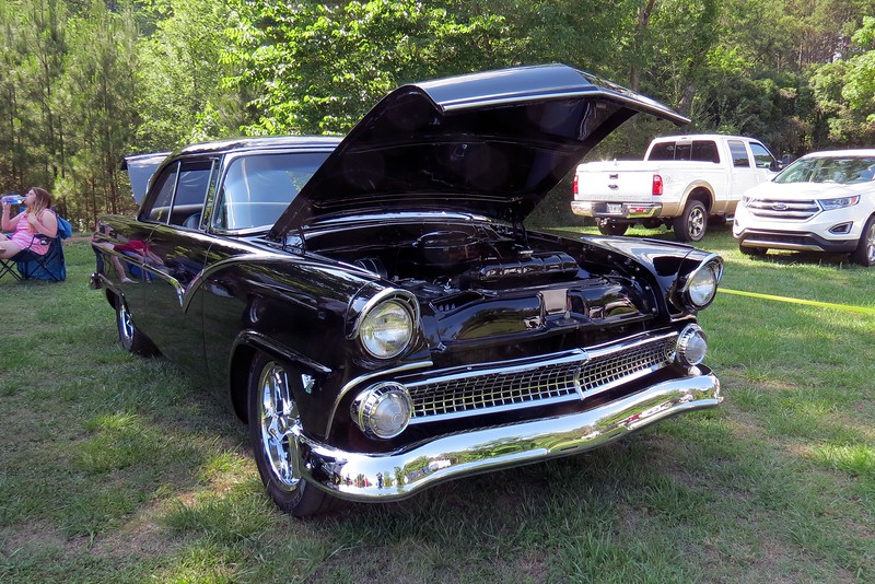 1955 Ford Fairlane.