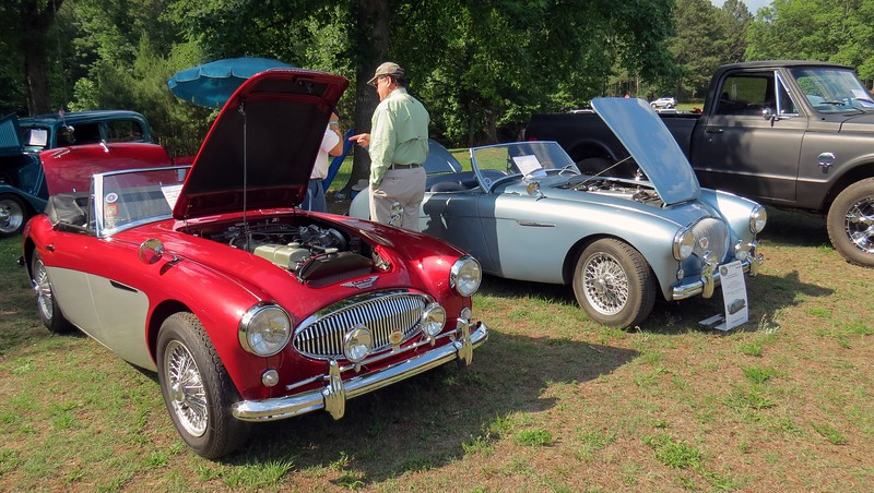 A pair of Austin-Healeys:  1963 3000 MK II (L) and 1954 100 (R).