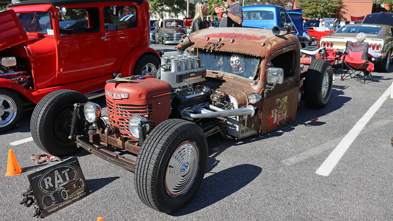 I have no idea that this is other than a very well done rat rod.