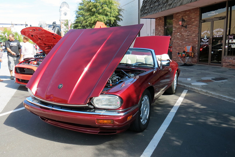 October 2, 2016:  I cleaned the XJS up and took it to the Cars of the Past Car Show in Covington, Georgia.