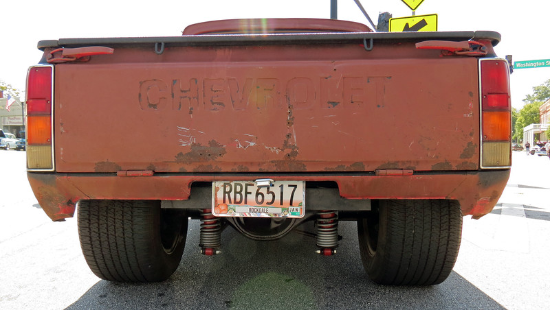The truck featured a narrowed rear axle.