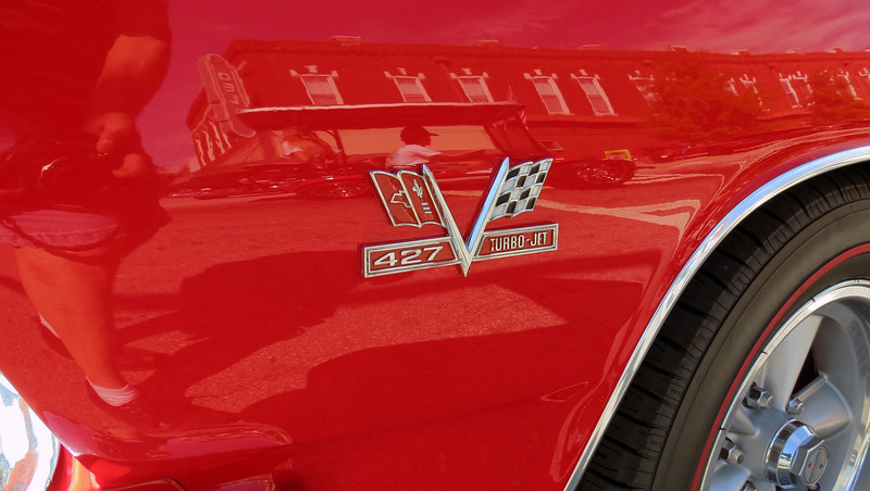 Has 427 badges on the fenders even though a 427 wasn't available in 1965.