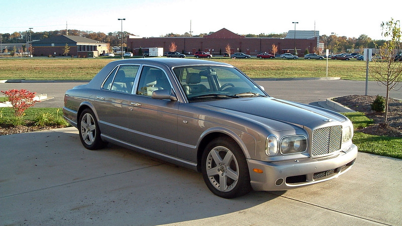A new 2005 Bentley Arnage.