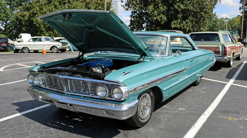 1964 Ford Galaxie 500.