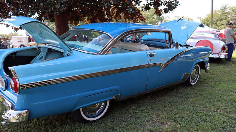 This was the second of two stunning Ford products from 1956.