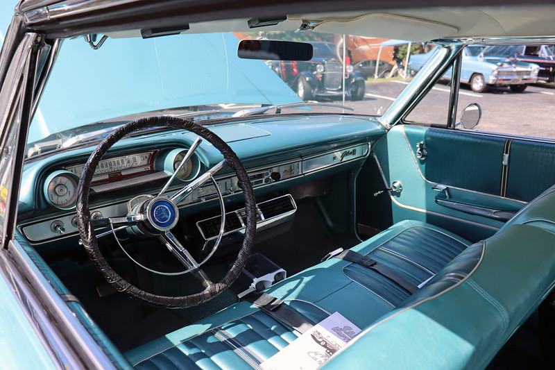 This 2-door hardtop coupe was the most popular Galaxie 500 body style in 1964 with almost 207,000 produced that year.
