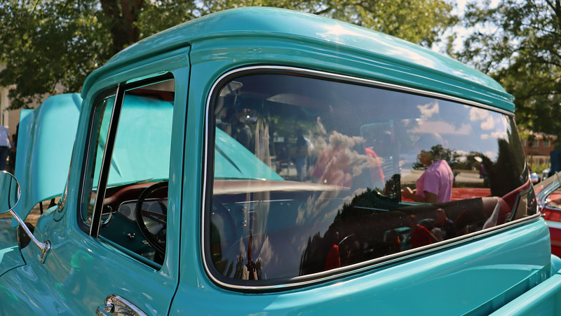 The wrap-around rear window was an option for Deluxe cab models.