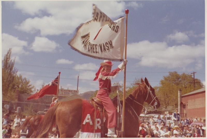 1961 Donna - Apple Blossom Parade