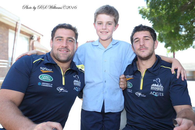 Charlie Barber (Centre) with Brumbies Josh and Tomas.