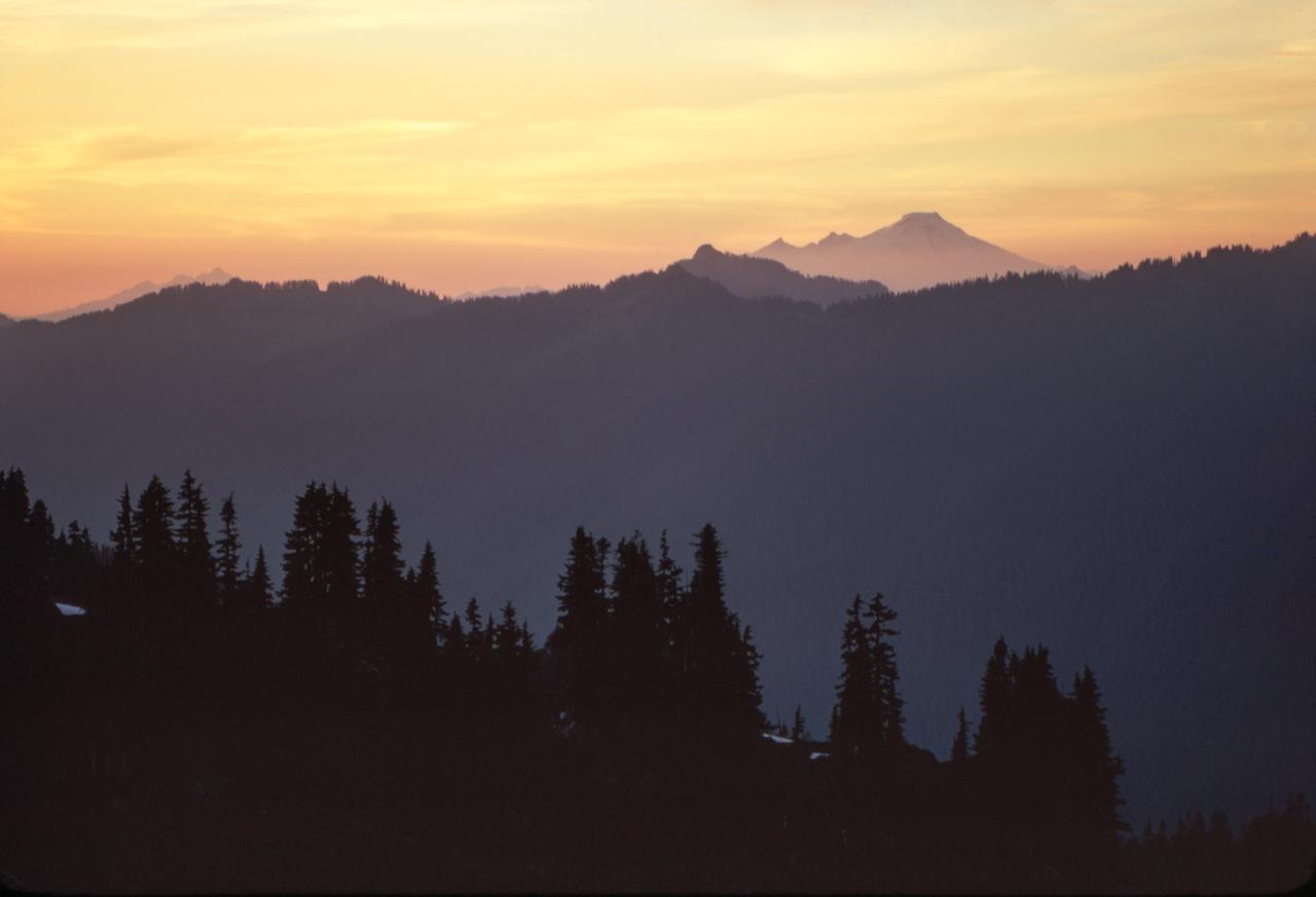 IMAGE: https://photos.smugmug.com/The-West-mostly-1971-75/High-country-hiking/i-6rk4TsK/0/71695650/X2/12%20Cascades%201974-X2.jpg
