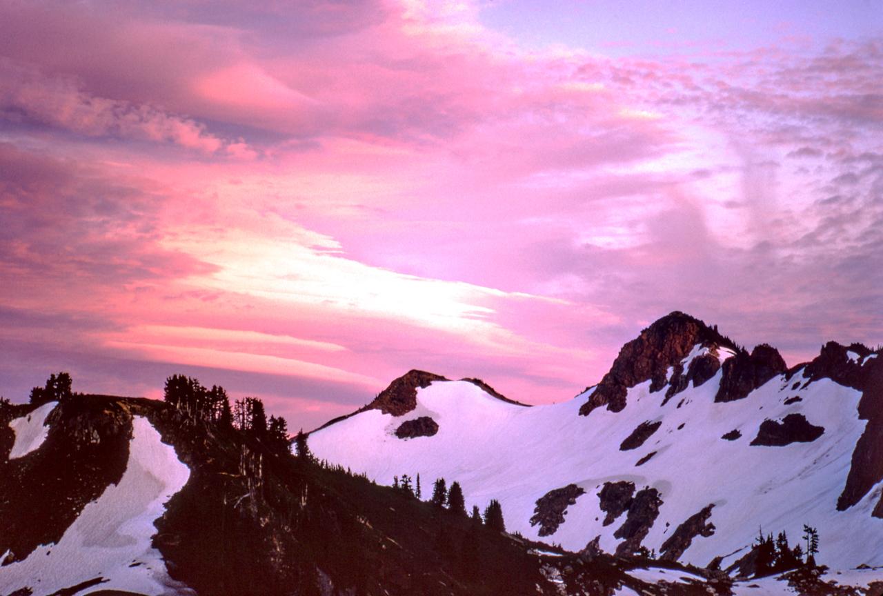 IMAGE: https://photos.smugmug.com/The-West-mostly-1971-75/High-country-hiking/i-xV2h3rC/0/8619906b/X2/17%20Aug%201974-X2.jpg
