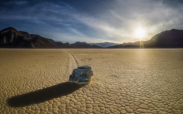 Zooming Rocks