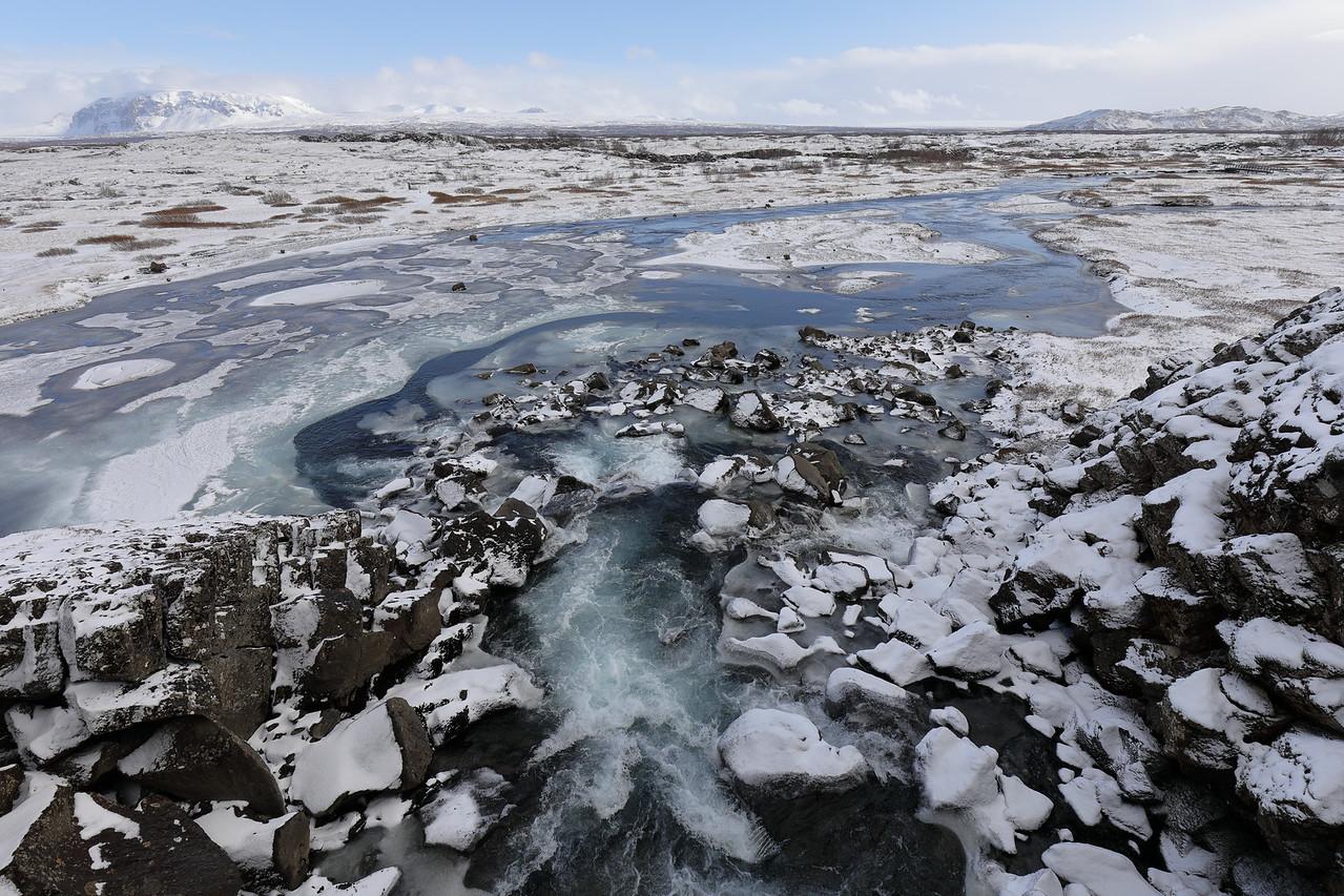 IMAGE: https://photos.smugmug.com/The-Wide-Wide-World/Iceland/Interior-Beauty/i-mbnRQ6z/0/bf929ad5/X2/00015107-X2.jpg