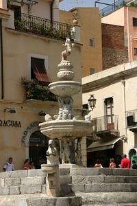 Taormina, Piazza Duomo