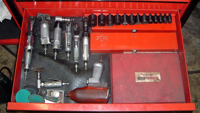 Air tools and sockets.