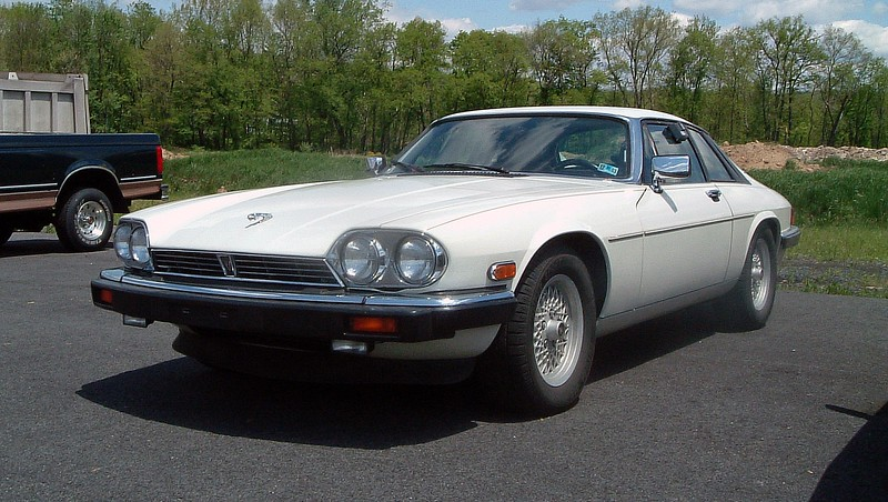 May 14, 2003:  I arrived at work to find that we had traded in a 1989 Jaguar XJS coupe.  The XJS has always been one of my favorites !  I took advantage of this opportunity and took it for a ride during my lunch hour.