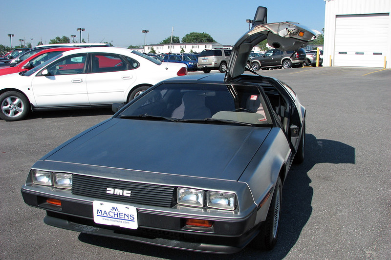 The other distinctive aspect of the DeLorean is its unique gullwing style doors that are hinged at the roof.