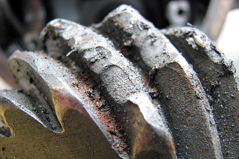 Damaged rear pinion.
