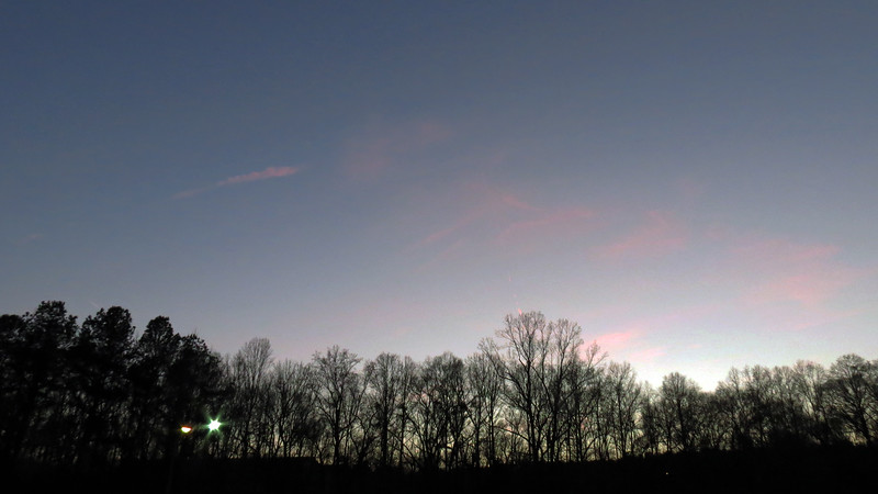 I took a few pics of the sky on this evening.