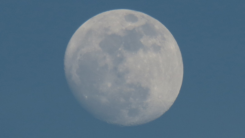 Zooming in on the nearly full moon.