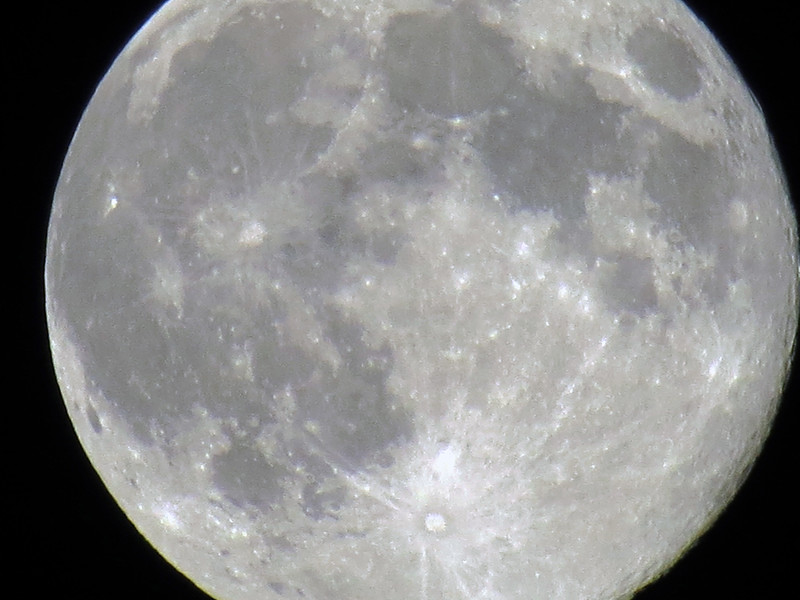 But this series of pics of the full moon turned out remarkably well.
