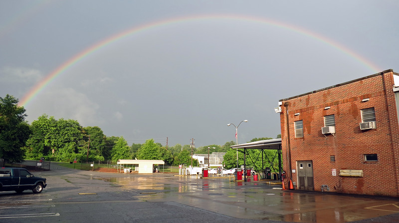 I backed up further for another wide shot of the entire rainbow.