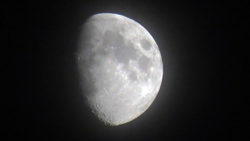 Decent picture of the hazy moon later that evening.