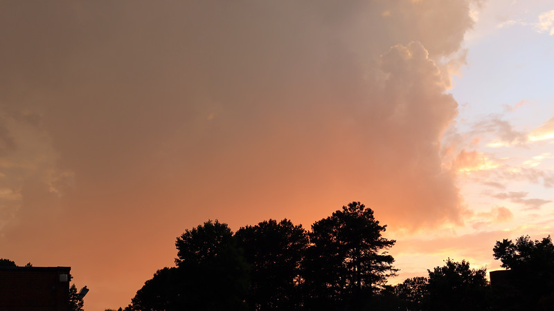 This was great !  I always enjoy watching Mother Nature put on a great light show.